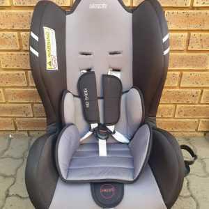 Safeway Moto X3 15 to 22kg Car Seat